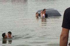 Chị gái tập lái lao ô tô xuống hồ chìm nghỉm