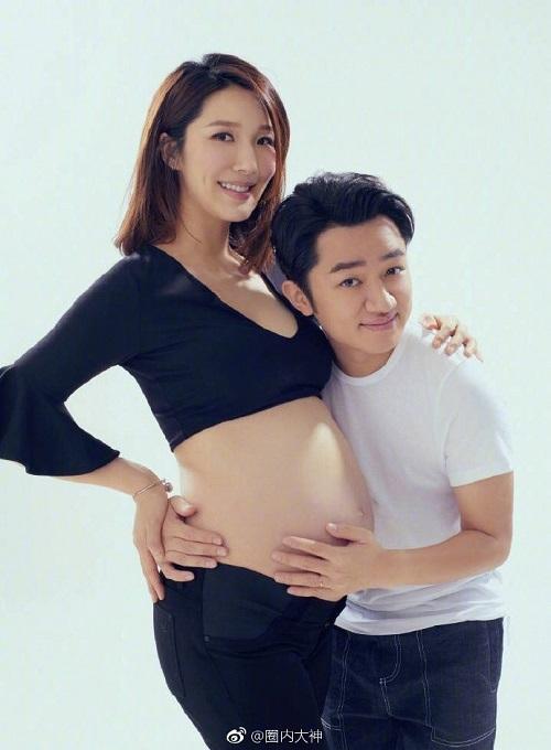 Vương Tổ Lam và Lý Á Nam hạnh phúc đón con gái đầu lòng