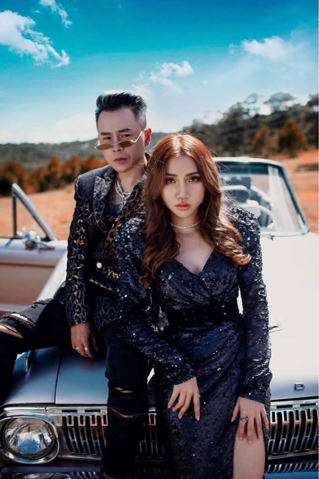 Giọng ca 'Người lạ ơi' tung MV về tình nhân nhiều cảnh nóng bỏng