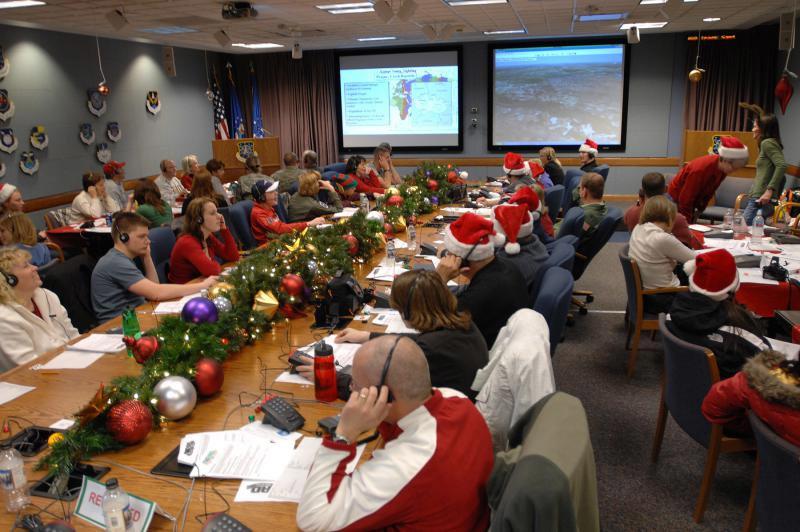 Chính phủ đóng cửa, quân đội Mỹ vẫn tiếp tục 'theo dõi' ông già Noel