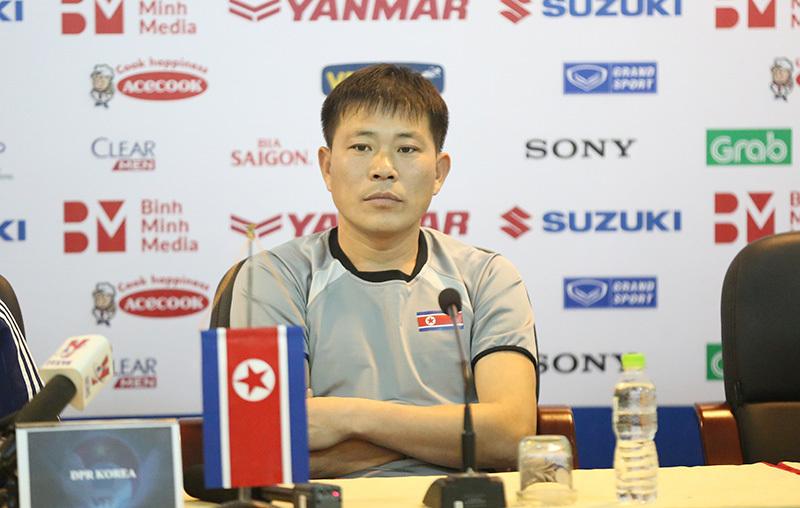 HLV CHDCND Triều Tiên không e ngại khi đối đầu với thầy Park
