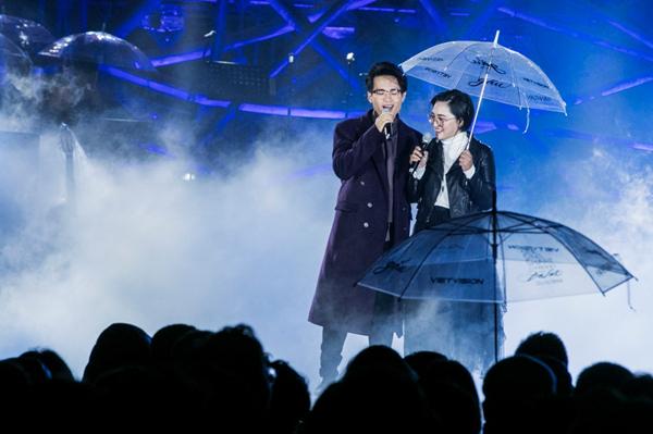 Hà Anh Tuấn hát tặng fan nữ mất vì bệnh tim