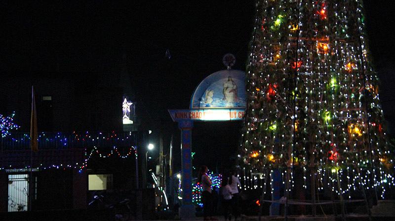 Điểm check in độc lạ đêm Giáng sinh đốn tim triệu người
