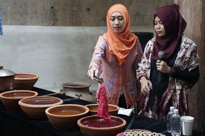 Giao lưu văn hóa Việt Nam - Indonesia: Batik và Thổ cẩm Ê Đê