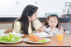 Hơn 2 triệu trẻ Việt dưới 5 tuổi suy dinh dưỡng thấp còi