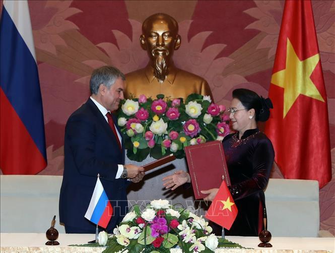 Chủ tịch QH hội đàm với Chủ tịch Duma Quốc gia Nga