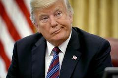 Ông Trump 'than' cô đơn trong Nhà Trắng