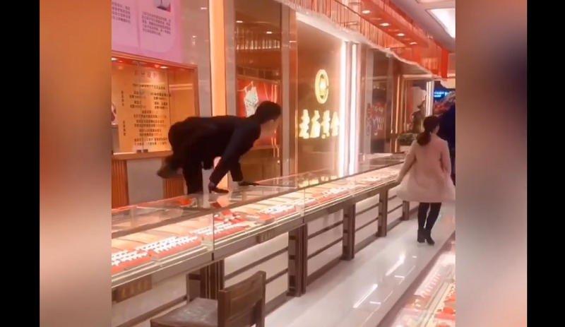 Trung Quốc,Chuyện lạ,Nhân viên bán hàng
