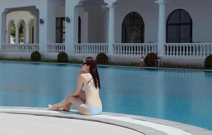 Đây là một trong những bộ ảnh bikini hiếm hoi của