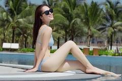 Mẹ đơn thân Dương Cẩm Lynh khoe dáng nuột nà bên hồ bơi