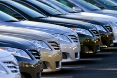 Mánh kiếm lợi của dân buôn ô tô:  Móc túi khách 1.000 tỷ đồng