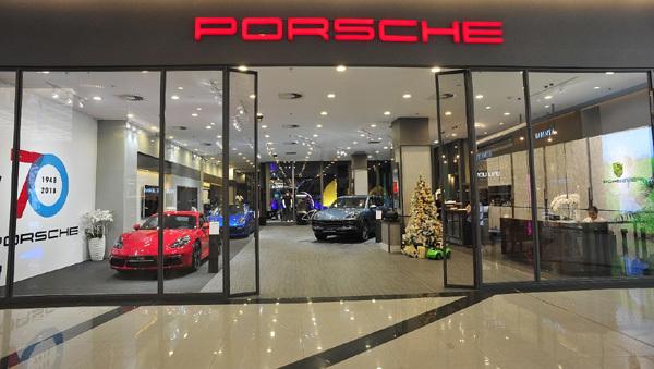 Trải nghiệm siêu xe Porsche ở Sài thành
