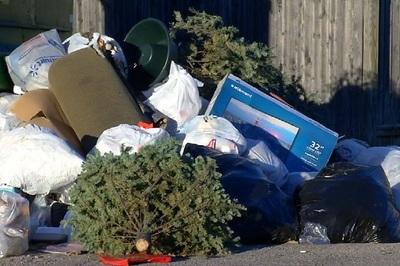 Nhật bắt người phụ nữ nghi ném rác từ tầng 31
