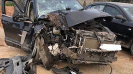 Xe Tàu nhái Land Rover tai nạn nát đầu: Nổ tranh cãi về chất lượng