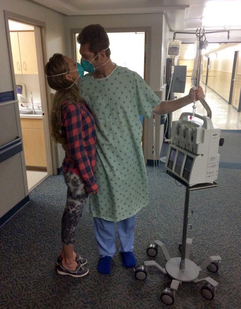 Chú rể 33 tuổi gặp nạn trong tuần trăng mật vì phát hiện ung thư