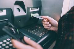 Bị phạt tù vì hack cây ATM nhả tiền