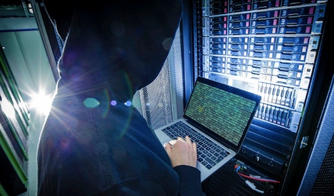 Cách thức chip gián điệp có thể hack máy chủ Apple, Amazon từ xa