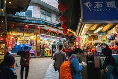 152 người Việt bỏ trốn ở Đài Loan: Điều đáng sợ nhất đang lơ lửng trên đầu