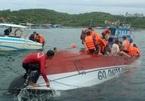 Tàu chở khách chìm trên vịnh Nha Trang, 2 người chết