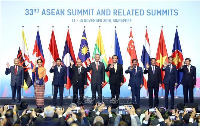 Xây dựng một kết cấu khu vực lấy ASEAN làm trung tâm