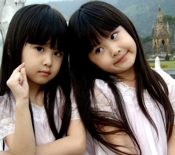Cặp song sinh nổi tiếng ở Đài Loan 15 năm trước giờ ra sao?