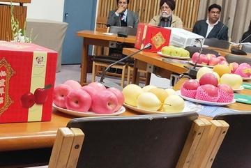 Lo sợ nhiễm loại hóa chất độc hại, cấm cửa táo Trung Quốc