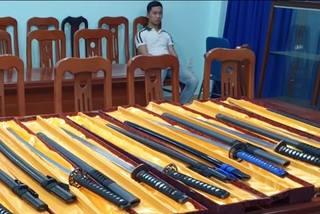 Hai thanh niên 9X buôn vũ khí số lượng cực lớn ở Sài Gòn