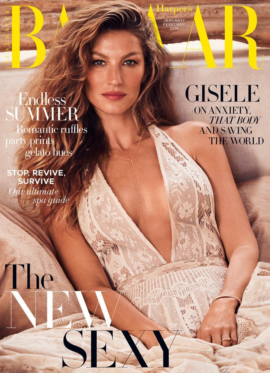Siêu mẫu Gisele Bundchen là gương mặt trang bìa của tạp chí Harper's Bazaar Australia số đầu năm 2019. Cô sở hữu chiều cao 1,8 m cùng đôi chân dài miên man thu hút nhiều ảnh nhìn.