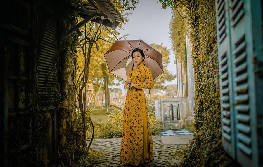 Lệ Quyên,Khắc Việt