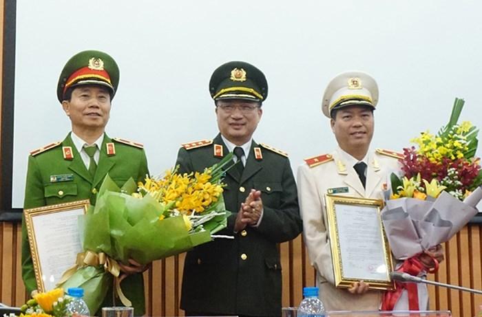 Trao quyết định bổ nhiệm, nghỉ hưu 2 Phó GĐ công an Hà Nội