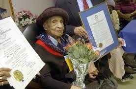 Bí quyết sống lâu trăm tuổi của 10 cụ ông, cụ bà nổi tiếng thế giới
