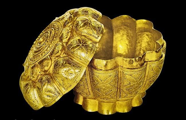 Hộp vàng Ngoạ Vân