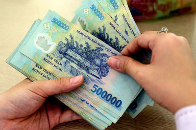 Thưởng Tết 400 triệu đồng: Hà Nội bằng 1/3 Sài Gòn