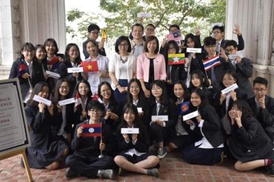 Khi học trò tổ chức một hội nghị quốc tế tranh luận gay cấn