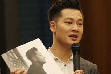 """Đức Tuấn chi """"khủng"""" hơn 1 tỷ làm album nhạc Phú Quang"""