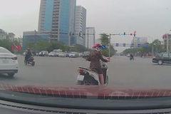 Xe máy tạt đầu: Nỗi ám ảnh kinh hoàng của tài xế ô tô