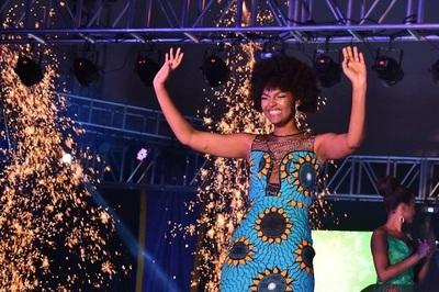 Hoa hậu bị cháy tóc ngay sau khi đăng quang