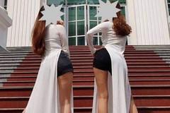 Mặc áo dài, quần đùi chụp ảnh, 2 nữ sinh sư phạm phải tường trình