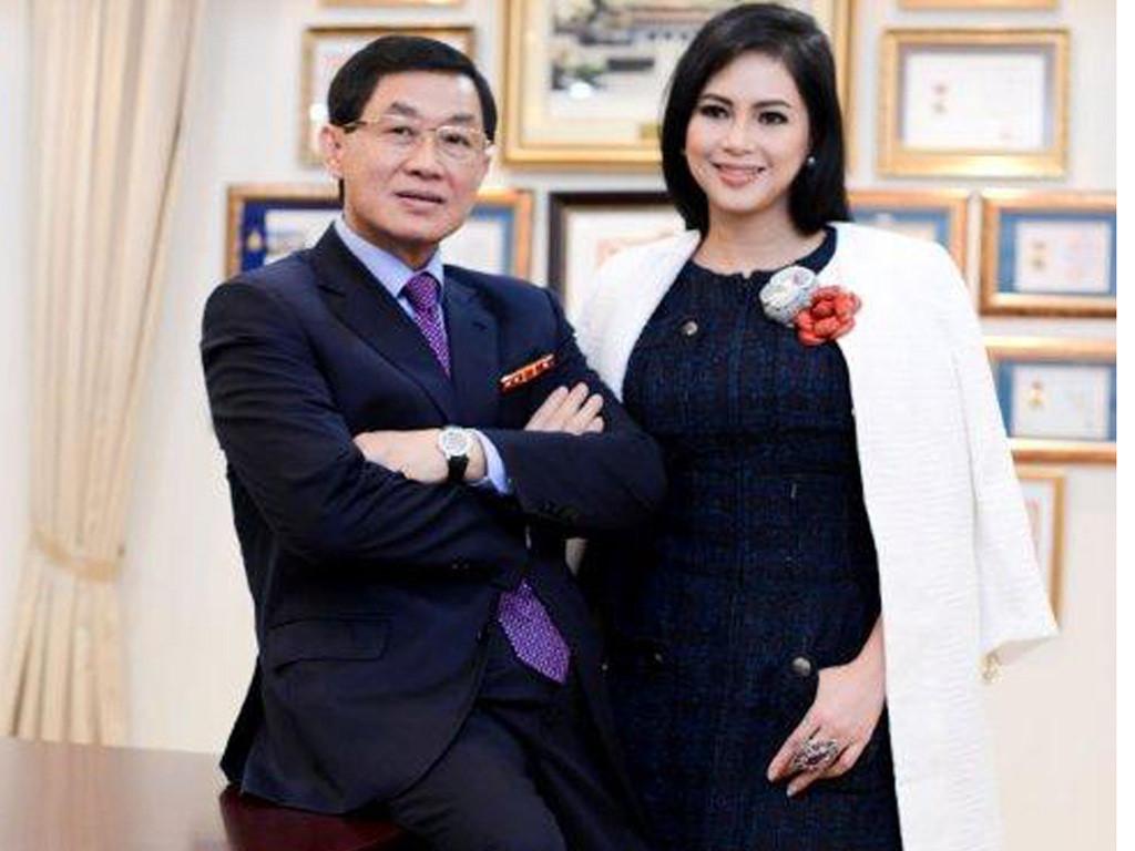 'Vua' hàng hiệu Việt Nam: Qua 10 năm, quyền lực về hết tay vợ