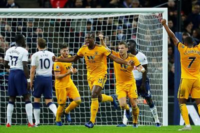 """Tottenham bất ngờ gục ngã trước """"bầy sói"""" Wolves"""