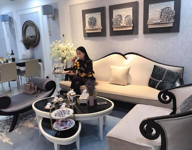 'Quỳnh búp bê' sống một mình trong căn hộ sang trọng như khách sạn