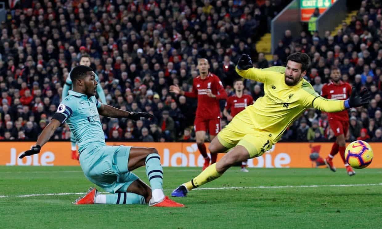 Liverpool vùi dập Arsenal: Hình bóng nhà vua