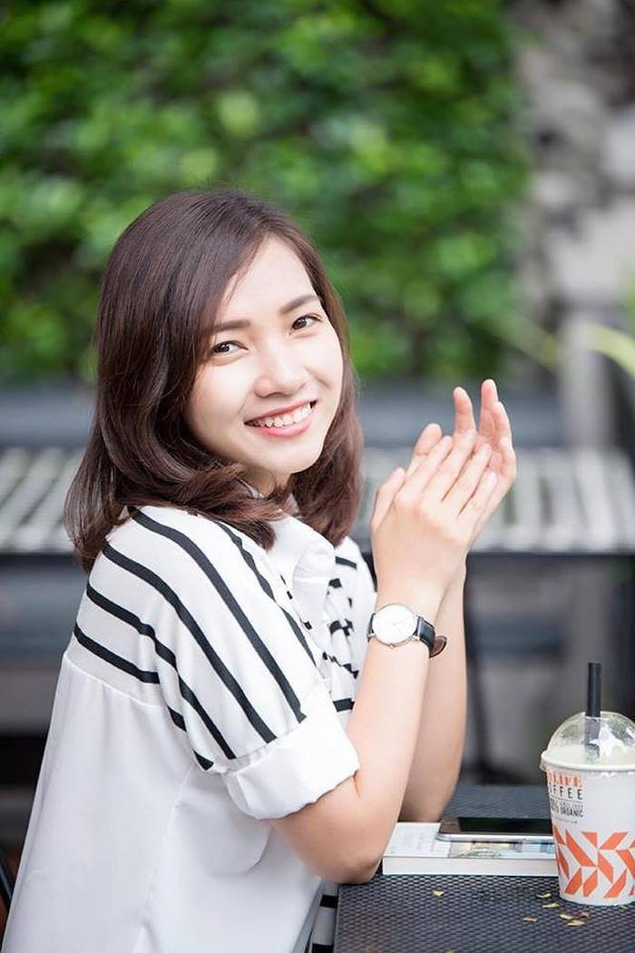 Nhan sắc vợ hot girl 9X của Tiến Đạt