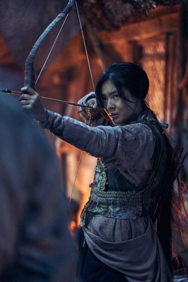Sao nam 'Running Man' xác nhận hẹn hò nữ diễn viên kém 9 tuổi