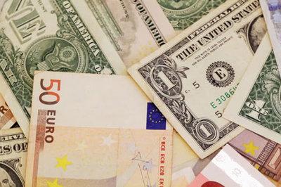 Tỷ giá ngoại tệ ngày 3/1: USD tăng vọt vì bất ổn Trung Quốc