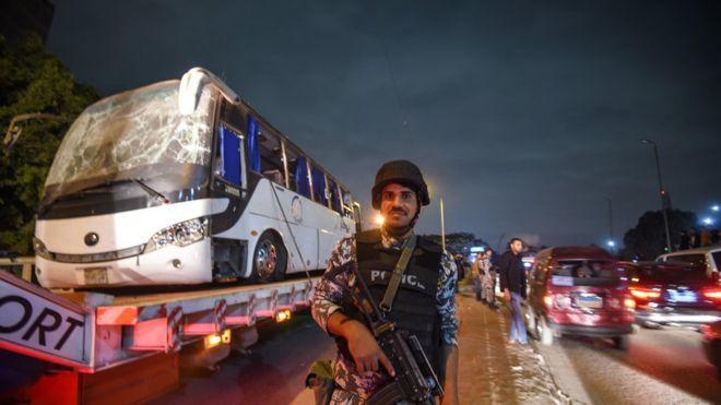 9 du khách Việt bị đánh bom ở Ai Cập lên máy bay về nước