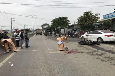 Nam sinh bị xe ben cán chết trên đường đến trường