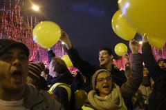 Người biểu tình khiến cảnh sát Pháp sững sờ