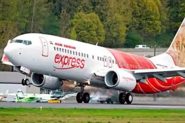 Cả máy bay phát hoảng vì hành khách nổi hứng khỏa thân