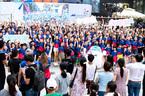 Hơn 100 gia đình Việt nhảy flashmob 'Cùng gắn kết'